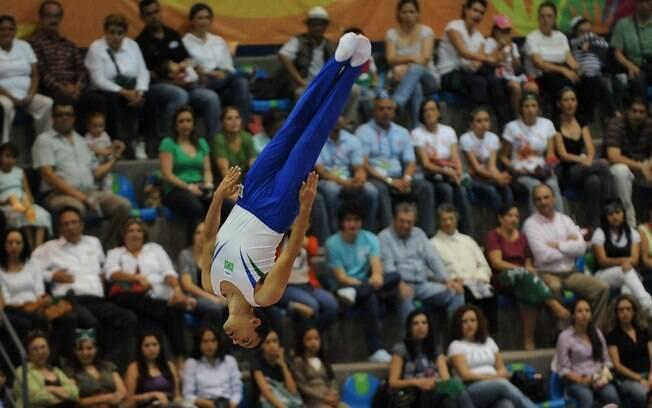span Rafael Andrade se apresenta na final da ginástica trampolim  span  ... b74af4e7cbf34
