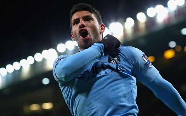 Sergio Agüero, do Manchester City, está um  pouco abaixo, recebendo 13,5 milhões de euros por  ano