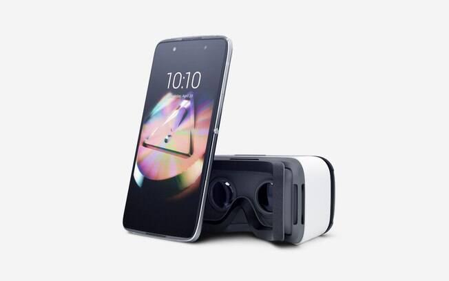Alcatel Idol 4 traz óculos de realidade virtual semelhante ao Gear VR, compatível com smartphones da Samsung