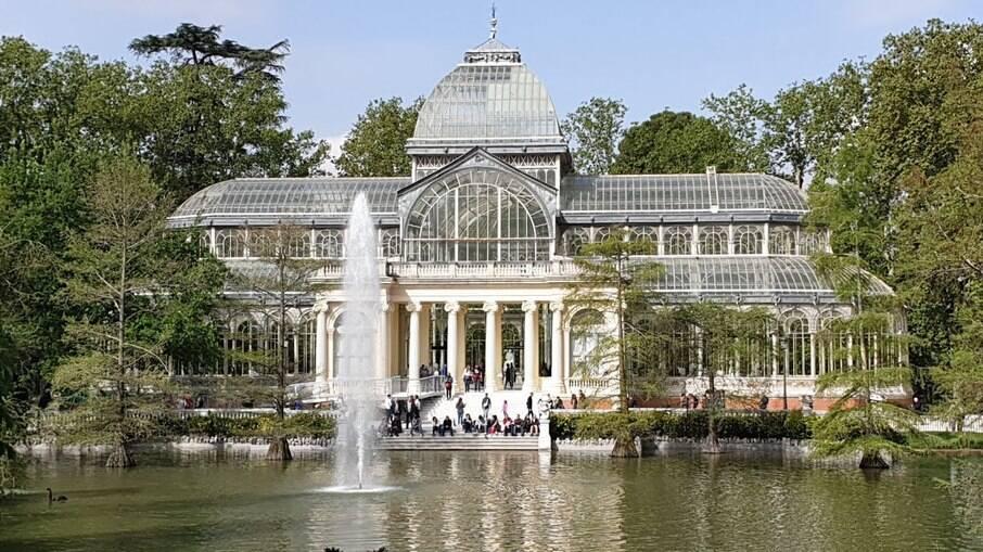 O Palácio de Cristal, no bairro de Retiro, em Madrid