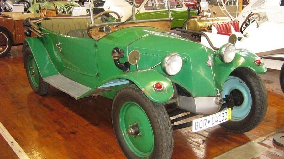 A Tatra apostou em 1923 no modelo 11 e o equipou com um motor flat-2 de 1,1 litro refrigerado a ar