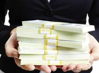 Algumas pesquisas apontam que pessoas com mais dinheiro tendem a ser menos generosas, mas isso não é unânime