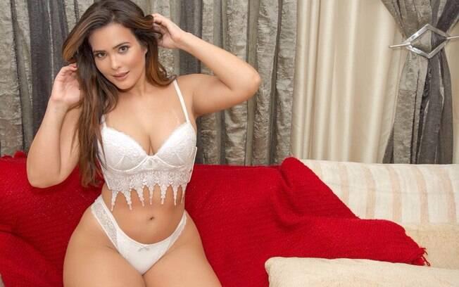 Geisy Arruda posa para marca de lingerie e faz revelação durante ensaio