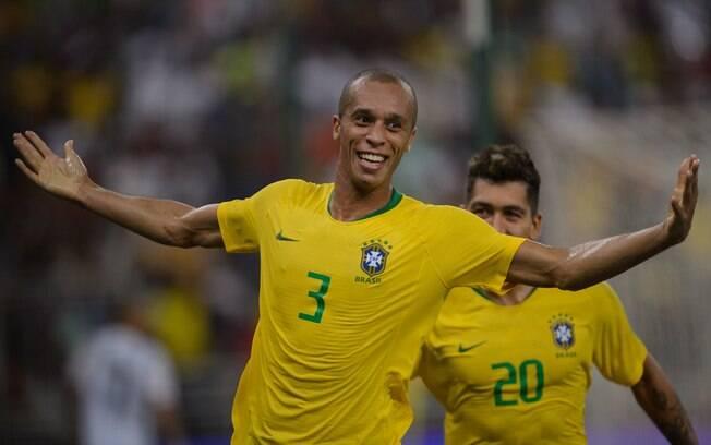 Miranda marcou o gol da vitória do Brasil sobre a Argentina