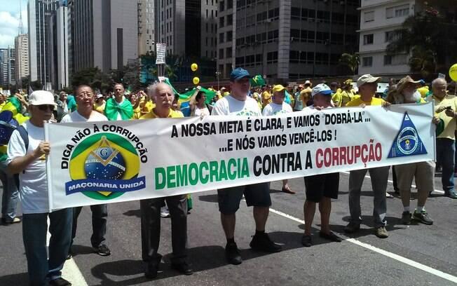 Cidadãos de São Paulo a favor do impeachment de Dilma Rousseff pedem fim à corrupção. Foto: David Shalom/iG São Paulo - 13.12.15