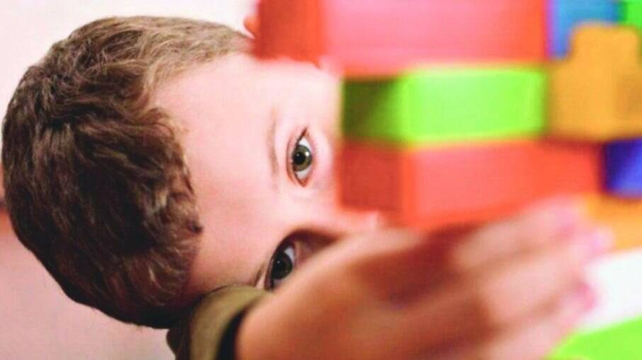 Neste 2 de abril, Dia Mundial da Conscientização do Autismo, mães relatam como o isolamento social tem sido desafiador para esse grupo social