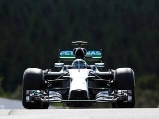 Com o tempo de 1min51s577, Rosberg completou a volta mais rápida desta sessão de treinos