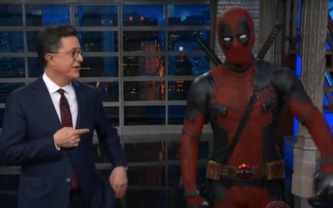 O anti-herói Deadpool, interpretado pelo ator Ryan Reynolds, marcou presença no talk-show para divulgar seu mais novo filme produzido pela Marvel Studios