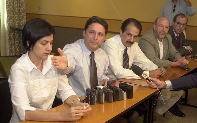Rosinha e Anthony Garotinho e o pastor Silas Malafaia (de bigode); Eduardo Cunha, ao fundo, já foi próximo aos Garotinho