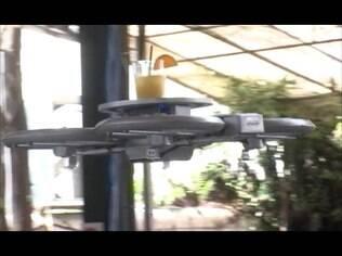 Drone substitui garçom em Cingapura
