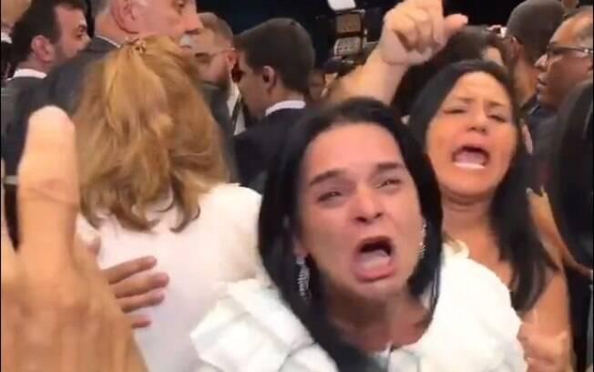 Bolsonaristas arrependidos realizaram protesto na Câmara na tarde desta terça-feira (29), dia em que o governo fez alterações na lei de aposentadoria dos militares.