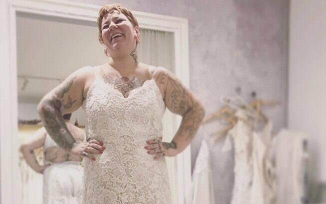 Muitas pessoas questionaram a cantora Ekena sobre ela perder peso durante os preparativos para o casamento