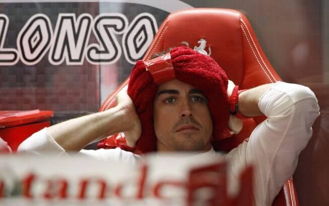 Alonso descansa após sua bateria de tempo