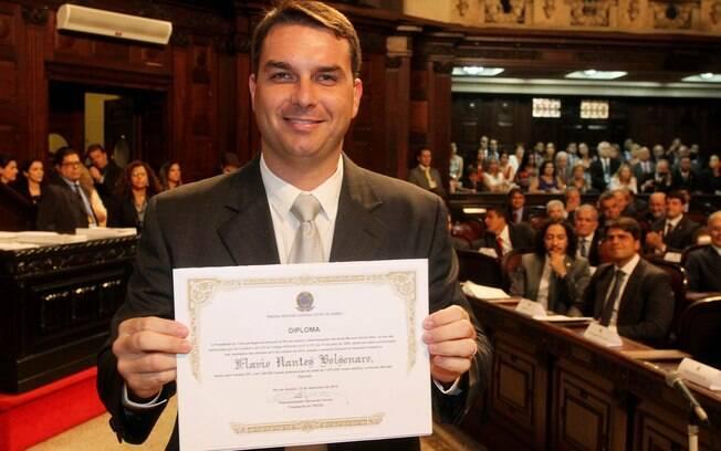 Flavio, filho de Bolsonaro, foi eleito deputado estadual pelo RJ