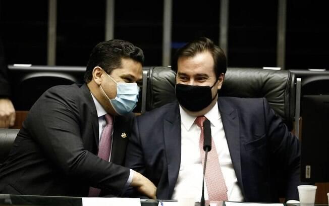 Alcolumbre e Maia, em sessão solene no Congresso