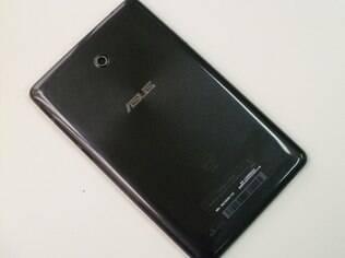 Fonepad 7 tem traseira de material plástico com brilho