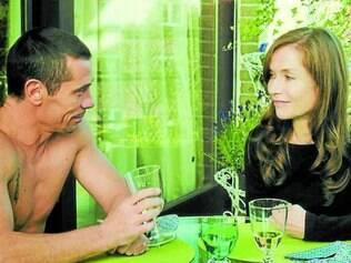 Após sofrer um derrame, a cineasta Maud se aproxima de Vilko