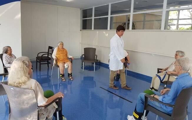 A missão do Santa Cruz é promover o bem-estar físico, afetivo, intelectual e espiritual de seus frequentadores