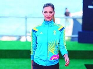 Pitaco. Modelo Fernanda Lima também reclamou dos atrasos nos preparativos para o Mundial