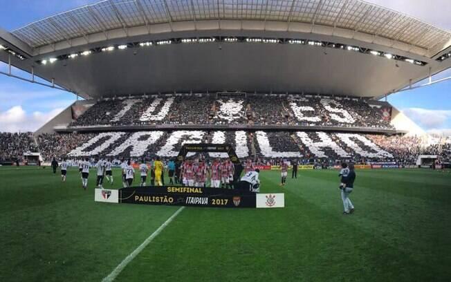 Arena Corinthians recebeu mais de 43 mil torcedores neste domingo, o melhor público do estádio no ano