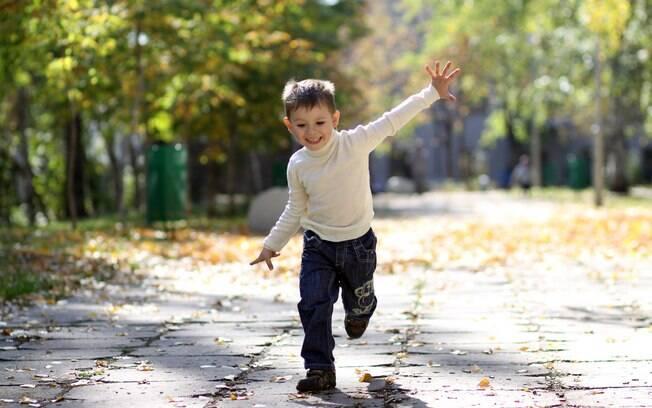 Tem idade ideal para a criança começar a brincar desacompanhada? A situação abriu um debate sobre isso
