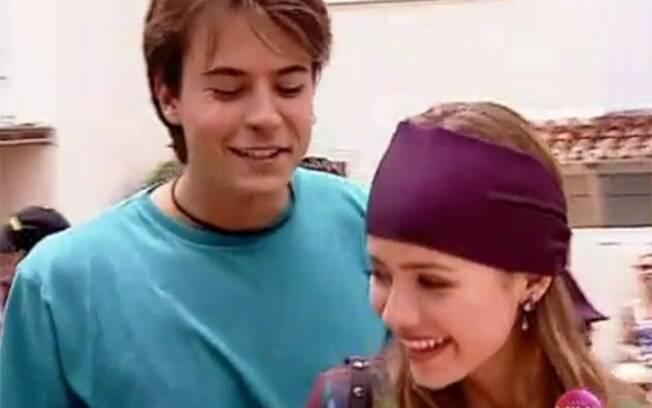 Em 1999, Paulinho Vilhena conheceu Sandy nas gravações do seriado 'Sandy & Junior'. Cinco anos mais velho, ele a cantora namoraram apenas oito meses. Ela terminou.