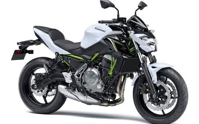 Pesando apenas 187 kg, a Kawasaki Z650 irá aposentar a ER-9N e busca um bom rendimento de combustível.