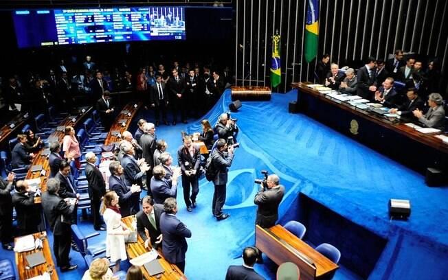 Senadores aplaudem decisão de colegas após aprovação de Fachin para o Supremo Tribunal