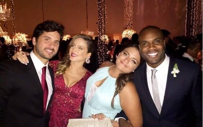 08e744764 Famosos comparecem ao casamento de Thiaguinho e Fernanda Souza ...