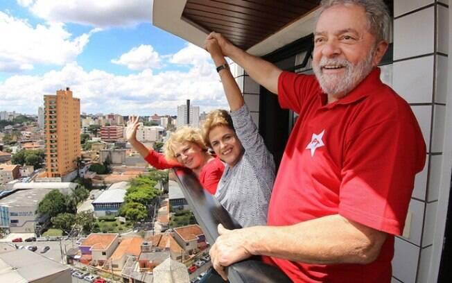 Dilma Rousseff visitou o ex-presidente Luiz Inácio Lula da Silva em São Bernardo do Campo (SP)