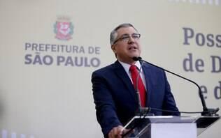 Ex-ministro Padilha é hostilizado por clientes em restaurante de luxo; assista - Política - iG