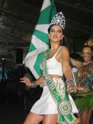 Mariana Rios é nova rainha de bateria da Mocidade