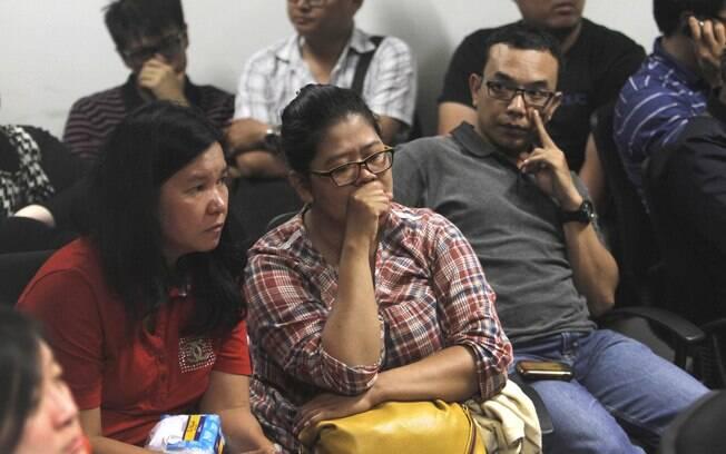 A AirAsia criou um centro de crise no aeroporto de Surabaya, de onde saiu o avião do voo 8501. Foto: AP