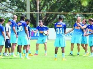Mais uma vez.  Em 2015, Cruzeiro chegará a sua 14ª participação na Copa Libertadores, com o objetivo de alcançar o tricampeonato