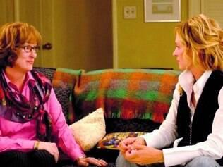 """No filme """"Terapia do Amor"""", Meryl Streep descobre que a paciente Uma Thurman está namorando seu filho"""