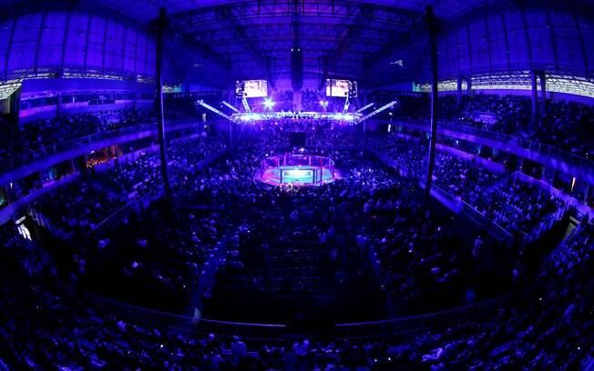 Cerca de 9 mil pessoas lotaram a Arena  Jaraguá neste sábado