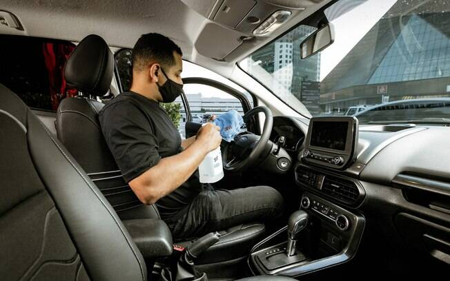 Ford Clean: higienização feita com produtos adequados para o interior do veículo ficar livre do novo coronavírus