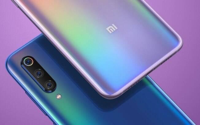 Com três câmeras traseiras, o Mi 9 é mais um dos smartphones que a Xiaomi trouxe para vender na loja brasileira