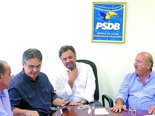 Aloysio Nunes, Cássio Cunha, Aécio Neves e o candidato a presidência do Senado, Luiz Henrique