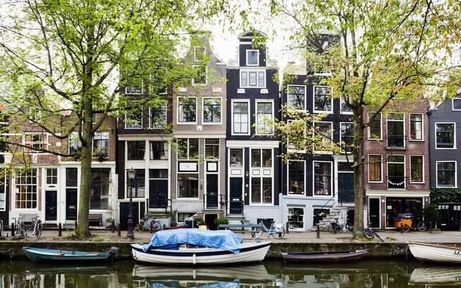 Em Amsterdã, barcos também são casas