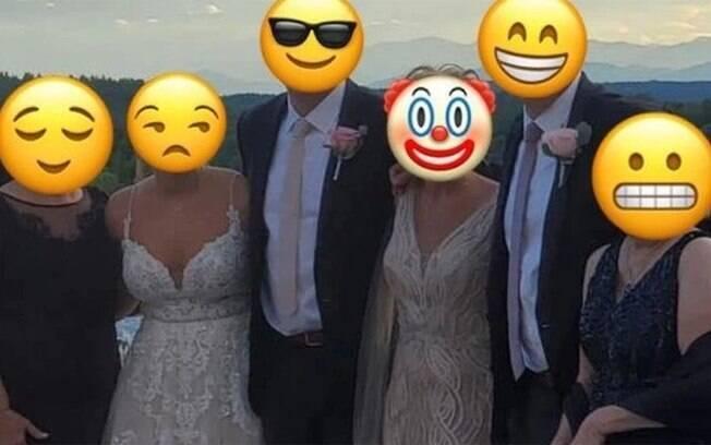 Mãe do noivo vai de branco para o casamento
