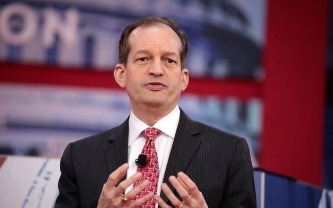Alexander Acosta fechou acordo que beneficiou Jeffrey Epstein