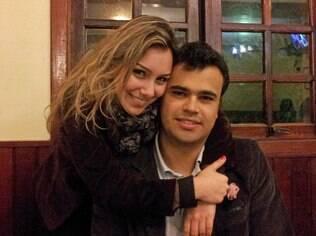 Isabela e Ariê: pedido de casamento no meio de show inspirou Marcelo Jeneci a receber vídeos de casamentos para clipe