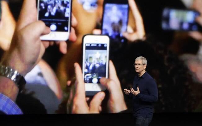 Variações do iPhone 7 podem ser encontradas com até R$ 200 de desconto em site da Apple