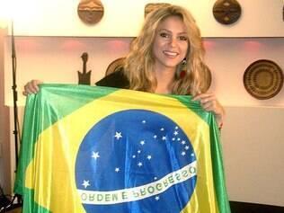 Shakira publicou frase em português demonstrando carinho pela seleção canarinho: