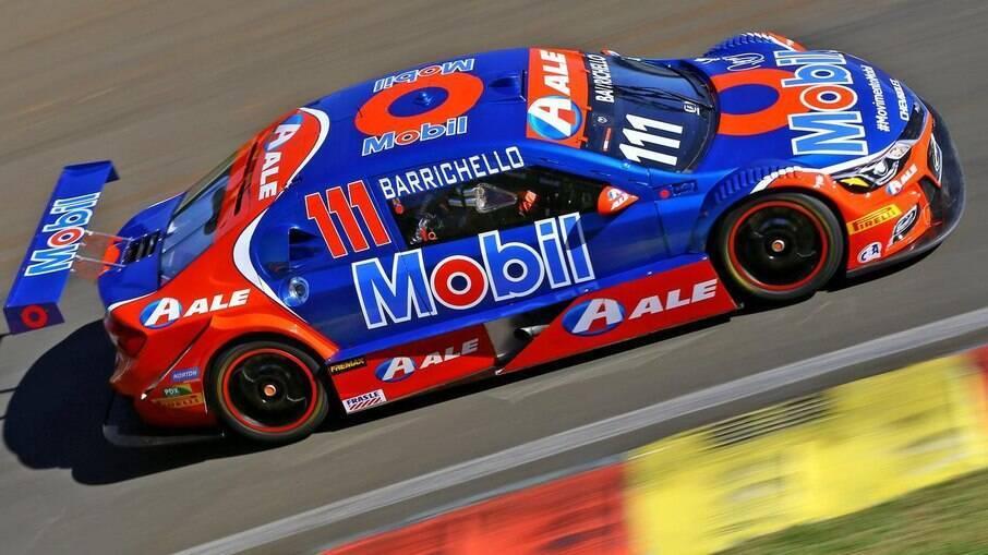 Toyota Corolla de Rubens Barrichello, um dos experientes e renomados pilotos que disputam  com Bruno Baptista