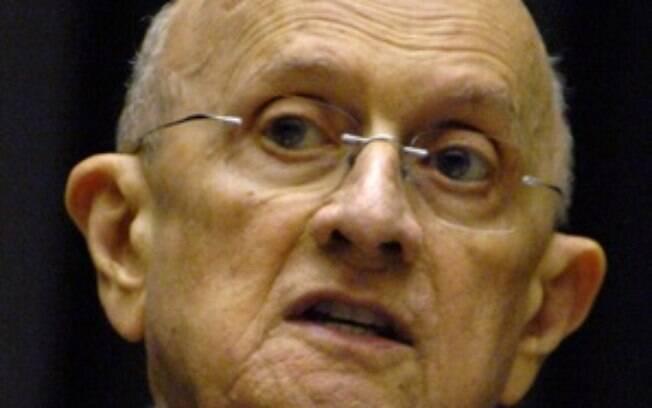 Deputado federal pelo PP do Ceará, José Linhares Ponte foi padre e usa a experiência de sacerdócio nas campanhas eleitorais