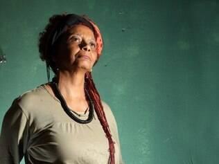 Sonia Gomes vai representar o Brasil na56ª Bienal de Veneza