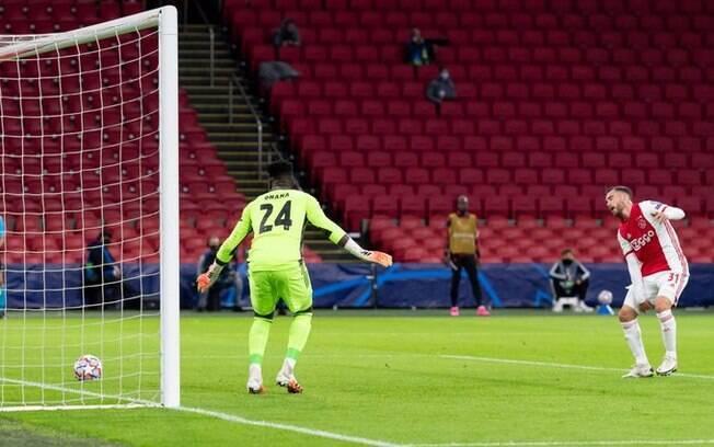 Ajax X Liverpool