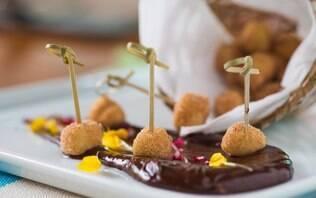Bolinhos de chuva e ganache de chocolate